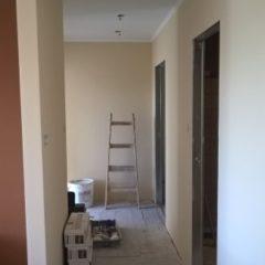 rekonstrukce bytu - nová chodba s SDK podhledem