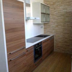 Kuchyň lamino dřevodekor