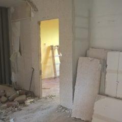 rekonstrukce bytu - vybouraný umakart