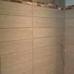 rekonstrukce bytu - obkládání koupelny